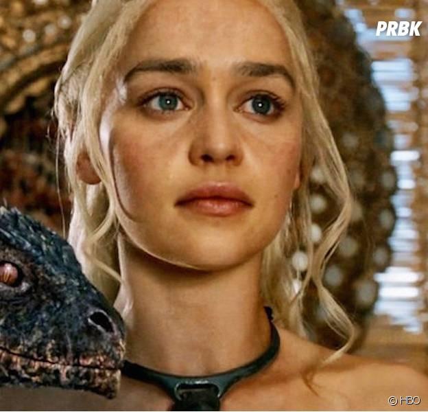 Game Of Thrones - Emilia Clarke et l'un de ses dragons