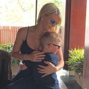 Amélie Neten en vacances avec son fils Hugo : il a bien grandi 😍