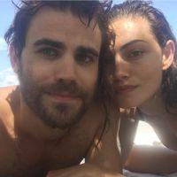 Paul Wesley et Phoebe Tonkin (The Vampire Diaries) : les deux amoureux complices en vacances ❤