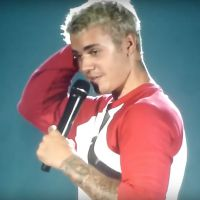 Justin Bieber énervé : il refuse le cadeau d'un fan sur scène et s'excuse