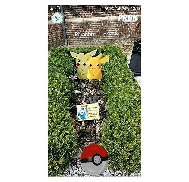 Pokémon Go : un jeune homme trouve Pikachu sur la tombe de son frère qui était fan de Pokémon.