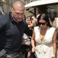 La famille de Pascal Duvier, bodyguard de Kim Kardashian, prend sa défense.