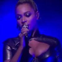 Beyoncé : l'oreille blessée et en sang en plein concert, elle continue le show 👂
