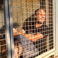 Rémi Gaillard enfermé dans une cage de la SPA 24h/24, son nouveau buzz généreux pour les animaux