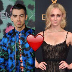 Sophie Turner en couple avec Joe Jonas ? 👫