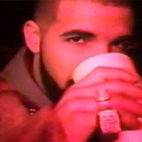 """Sneakin'"" : Drake en mode twerk et bling-bling dans un clip old school 👙"