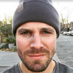 Arrow : Stephen Amell agressé par un fan en pleine rue