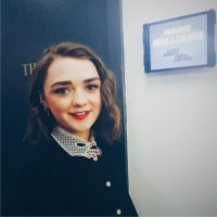 Maisie Williams (Game of Thrones) topless : un proche dévoile des photos privées