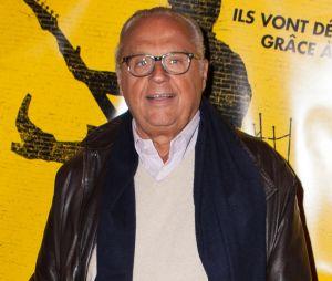 Gérard Louvin clashe Nabilla Benattia : elle réagit en le taclant sur Twitter.