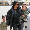 North West : à 3 ans, la fille de Kim Kardashian apparaît maquillée sur Instagram, les internautes sont choqués !