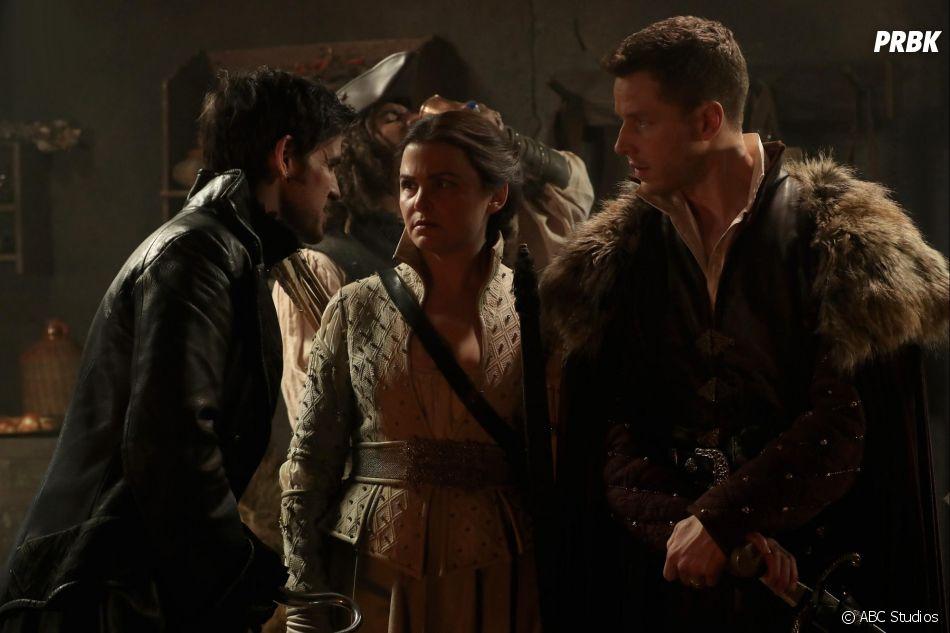 Once Upon a Time saison 6, épisode 20 : Hook (Colin O'Donoghue) face à Snow (Ginnifer Goodwin) et Charming (Josh Dallas) sur une photo