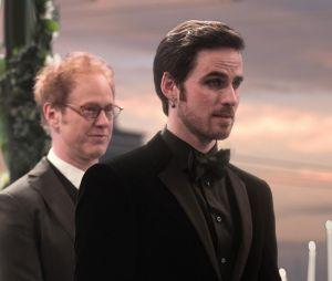Once Upon a Time saison 6, épisode 20 : Hook (Colin O'Donoghue) lors du mariage