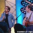Vincent Dedienne chante en duo avec Vianney dans Quotidien le 15 mai 2017