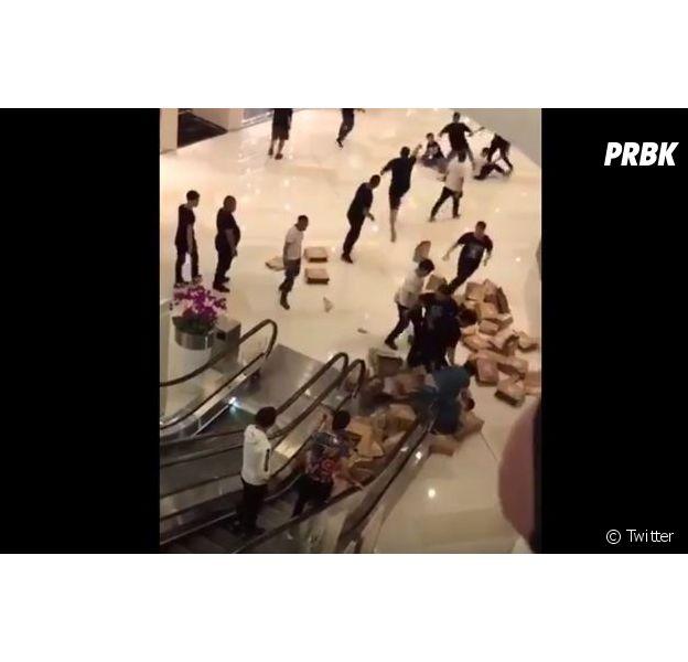 """Yeezy Boost 350 V2 """"Zebra"""" : des hackeurs tabassés en Chine après avoir obtenu 80 paires"""