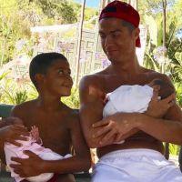Cristiano Ronaldo avec son fils et ses jumeaux : la photo trop cute
