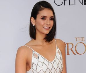 Nina Dobrev en couple Glen Powell ? Le bisou qui confirme