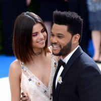 """Selena Gomez trompée par The Weeknd ? Un mannequin balance des """"preuves"""" de leur nuit ensemble"""