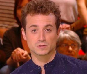 Quotidien : Hugo Clément aide un enfant à retrouver son doudou !