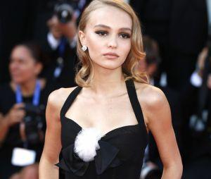 Lily-Rose Depp topless : des internautes l'insultent, elle pousse un coup de gueule !