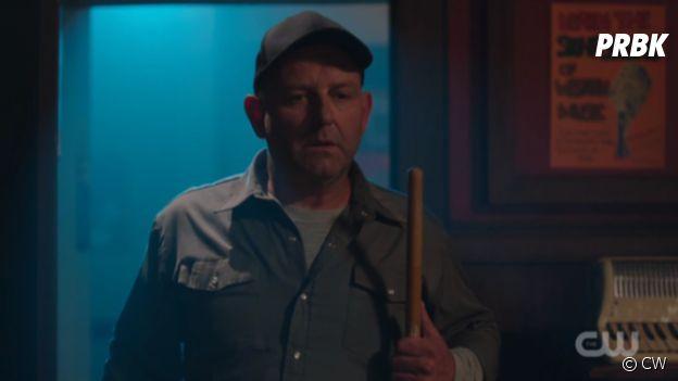 Riverdale saison 2 : Mr Svenson est le Black Hood