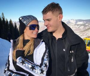Paris Hilton fiancée à son petit ami Chris Zylka