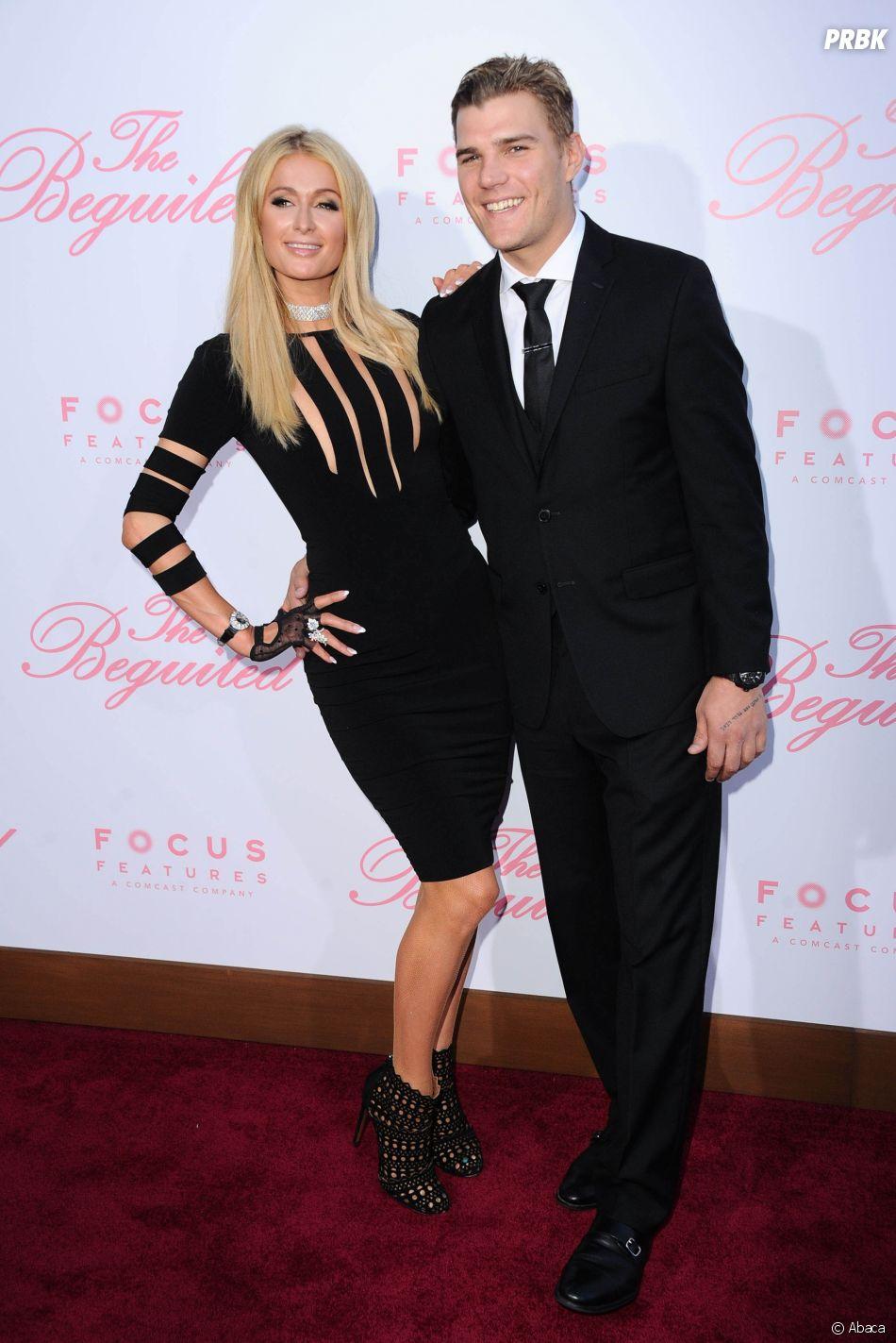 Paris Hilton en couple avec Chris Zylka depuis un an