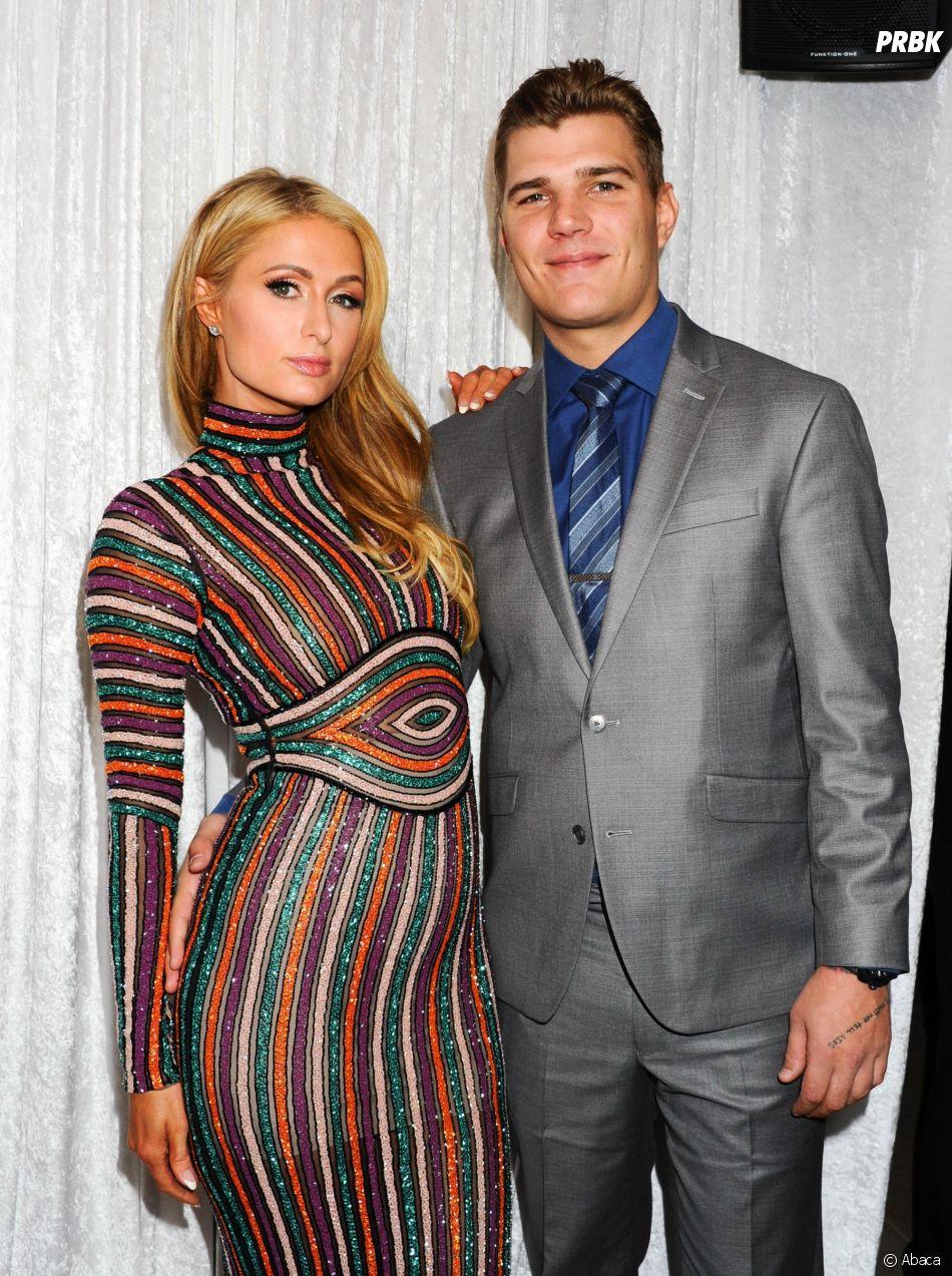 Paris Hilton fiancée à son petit ami Chris Zylka ? Elle répond aux rumeurs