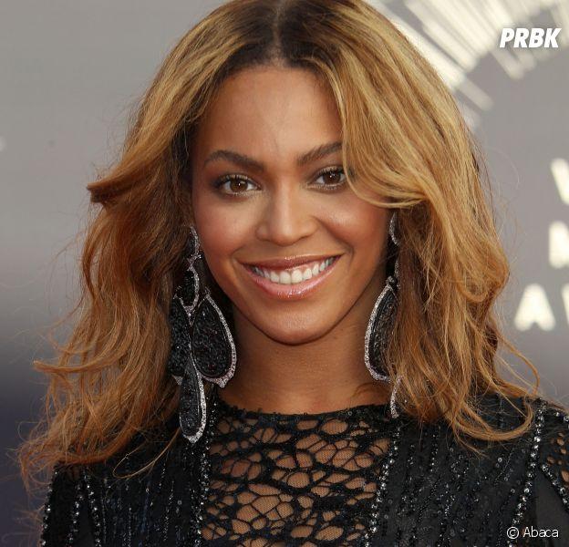 """Beyoncé : un père de famille danse la chorégraphie de """"Single Ladies"""" avec ses deux filles, la vidéo géniale !"""