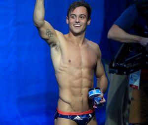 Tom Daley les fesses à l'air : des photos du sportif tout nu fuitent sur la toile !