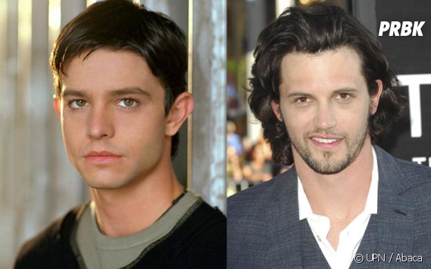 Roswell : Jason Behr VS Nathan Parsons dans le rôle de Max