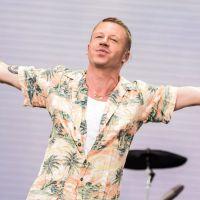 Macklemore : en plein concert à Paris, il annonce qu'il est de nouveau papa 👶