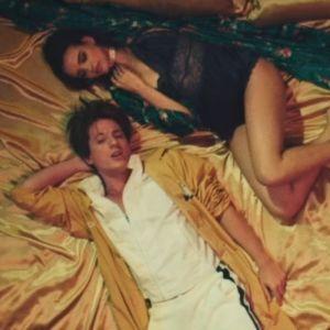 """Clip """"Done For Me"""" : Charlie Puth et Kehlani passent en mode rétro 🕺"""
