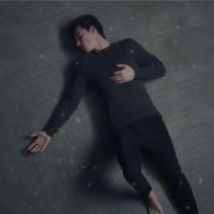"""Clip """"In My Blood"""" : Shawn Mendes se bat contre ses démons"""