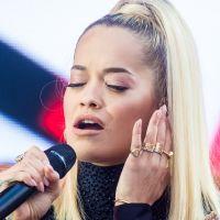 """Mort d'Avicii : l'émouvant hommage de Rita Ora, au bord des larmes, sur """"Lonely Together"""""""