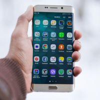 Samsung Galaxy S9 : un bug envoie vos photos à vos contacts, sans vous prévenir 📱😱