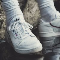 Stop aux bots : adidas lance un nouveau système pour s'en débarrasser