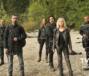 The 100 saison 6 : Clarke, Bellamy et les autres débarquent sur Terre