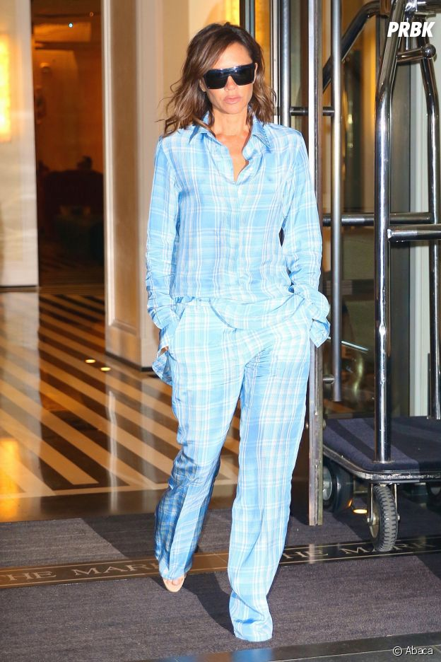 """Victoria Beckham a craqué pour la tendance """"sleepwear""""."""