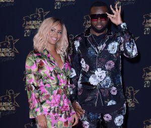 Maître Gims et sa femme DemDem ont adopté la tendance pyjama aux NRJ Music Awards 2018.