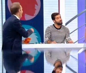 Kendji Girac drague une chroniqueuse télé, malaise sur le plateau.