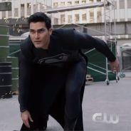 Arrow, Flash, Supergirl : un Superman en noir et deux autres méchants du crossover se dévoilent