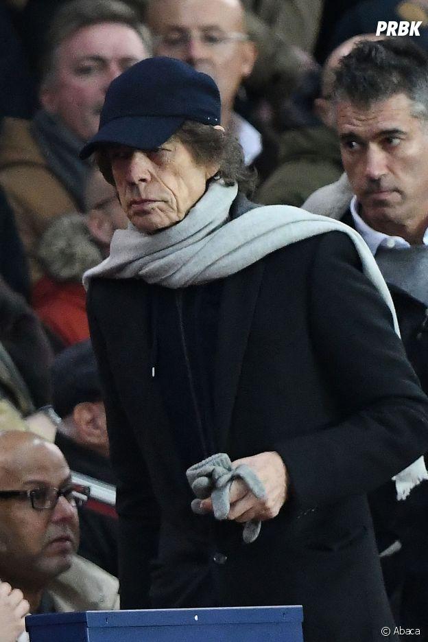 Mick Jagger dans les tribunes du match PSG-Liverpool de la Ligue des champions.