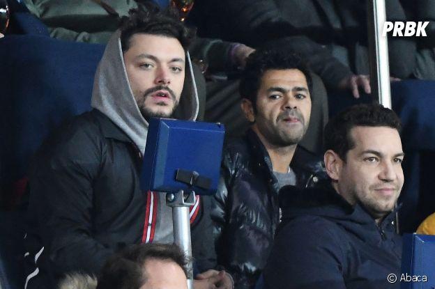 Kev Adams et Jamel Debbouze dans les tribunes du match PSG-Liverpool de la Ligue des champions.