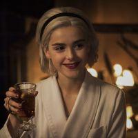 Les Nouvelles aventures de Sabrina : bientôt un livre pour tout connaître du passé de la sorcière