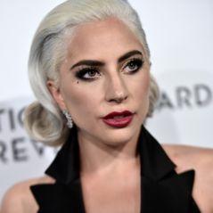 """Lady Gaga s'excuse pour son duo avec R. Kelly : """"Je l'ai fait à une période sombre de ma vie"""""""