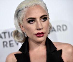 """Lady Gaga s'excuse pour son duo avec R. Kelly : """"Je l'ai fait à une période sombre de ma vie""""."""