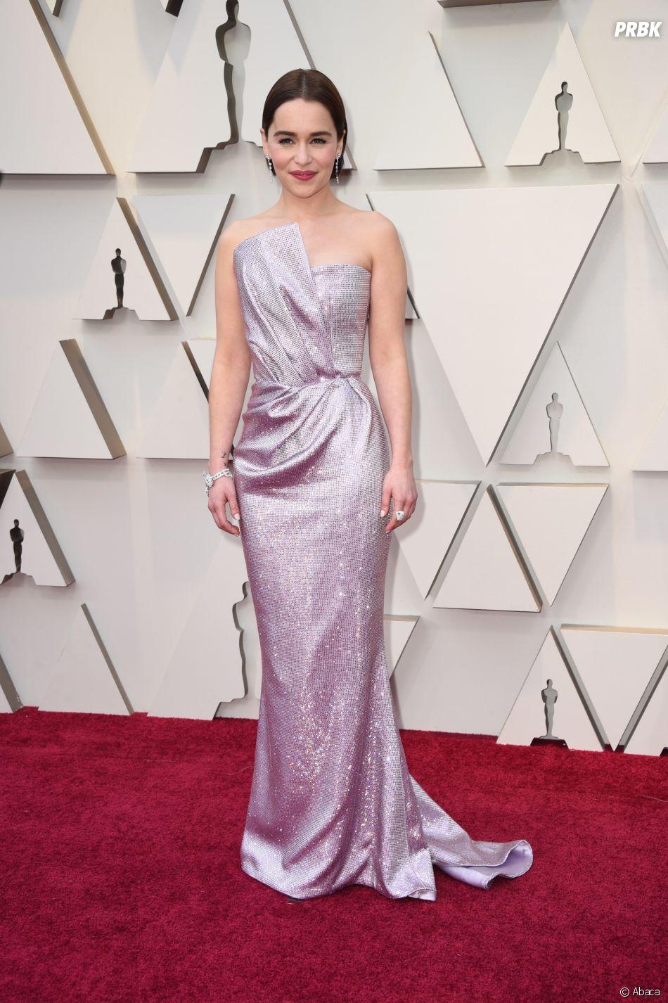 Emilia Clarke sur le tapis rouge des Oscars 2019 le 24 février à Los Angeles