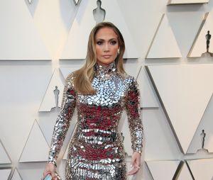 Jennifer Lopez sur le tapis rouge des Oscars 2019 le 24 février à Los Angeles