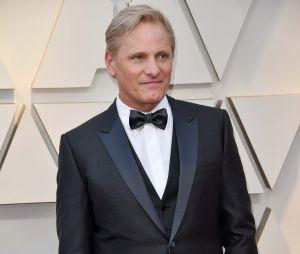 Viggo Mortensen sur le tapis rouge des Oscars 2019 le 24 février à Los Angeles