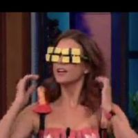 Kate Walsh ... Elle se recouvre de sushis pour se moquer de Lady Gaga (vidéo)